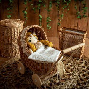 Rattan Puppenwagen mit Spitze (viele Farben)